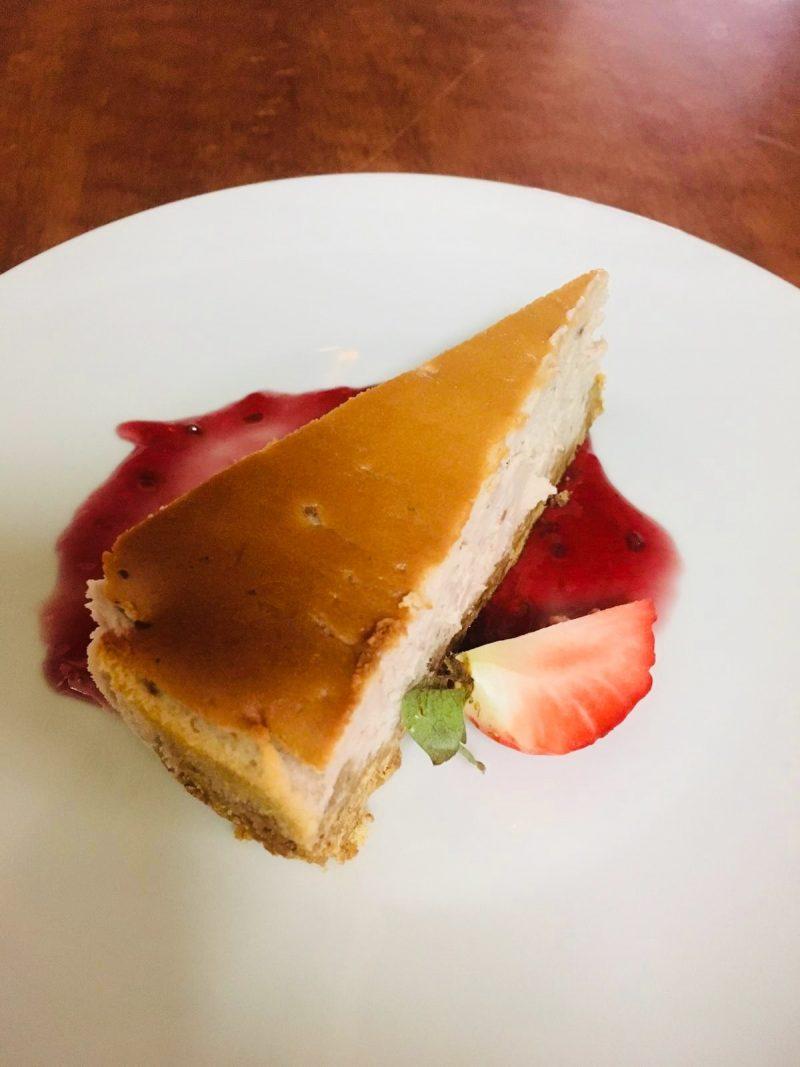 Restaurant Bistrot La-Haut Montmartre Cheese cake coulis de fraises framboises