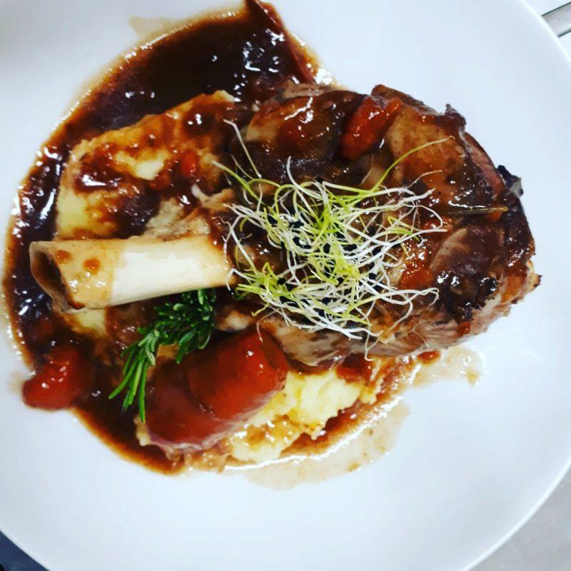 Restaurant Bistrot La-haut Montmartre Souris d agneau fondante et son jus au thym