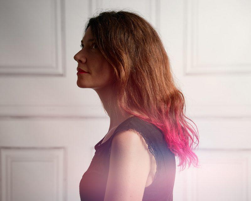 portrait corporate, Paris, studio photo, Montmartre, Paris 18, cheveux roses